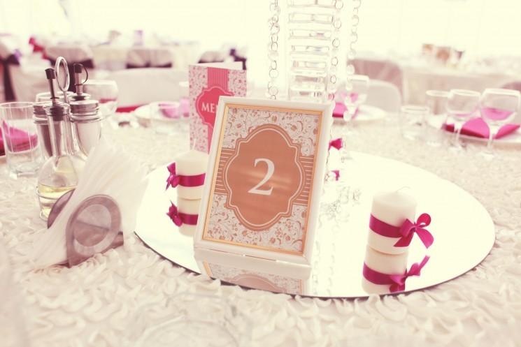 8 необычных способов указать номера столов