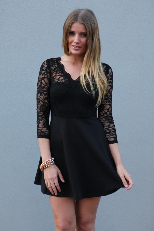 Маленькое черное платье с кружевом 2