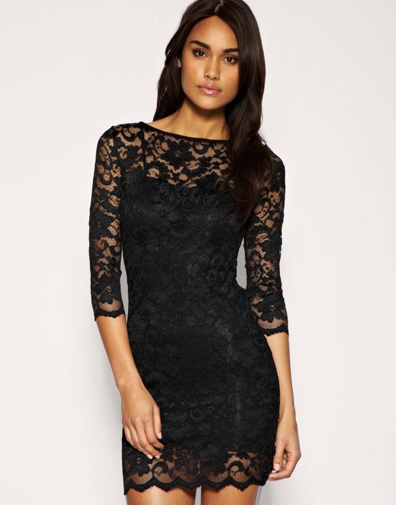 Маленькое черное платье с кружевом
