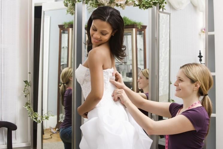 Покупать Готовые Свадебные Платья или Шить на Заказ?