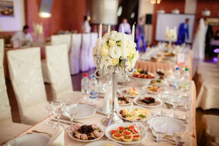 7 советов по правильному питанию во время свадебного банкета