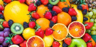 весь фон в ягодах и фруктах