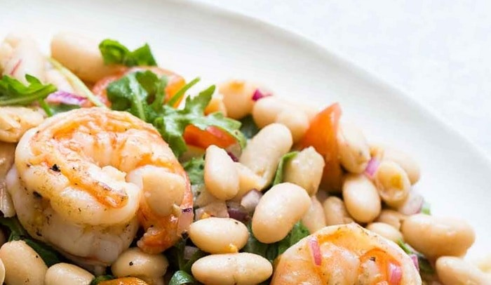4 рецепта салатов из морепродуктов - Фасолевый салат с креветками