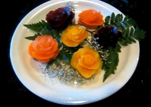 Вырезание розы из разных овощей по технике карвинг