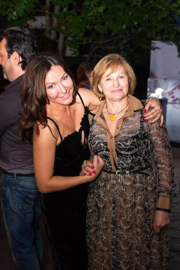 Хозяйка вечера Юлия Айсина с мамой Ниной Ивановной