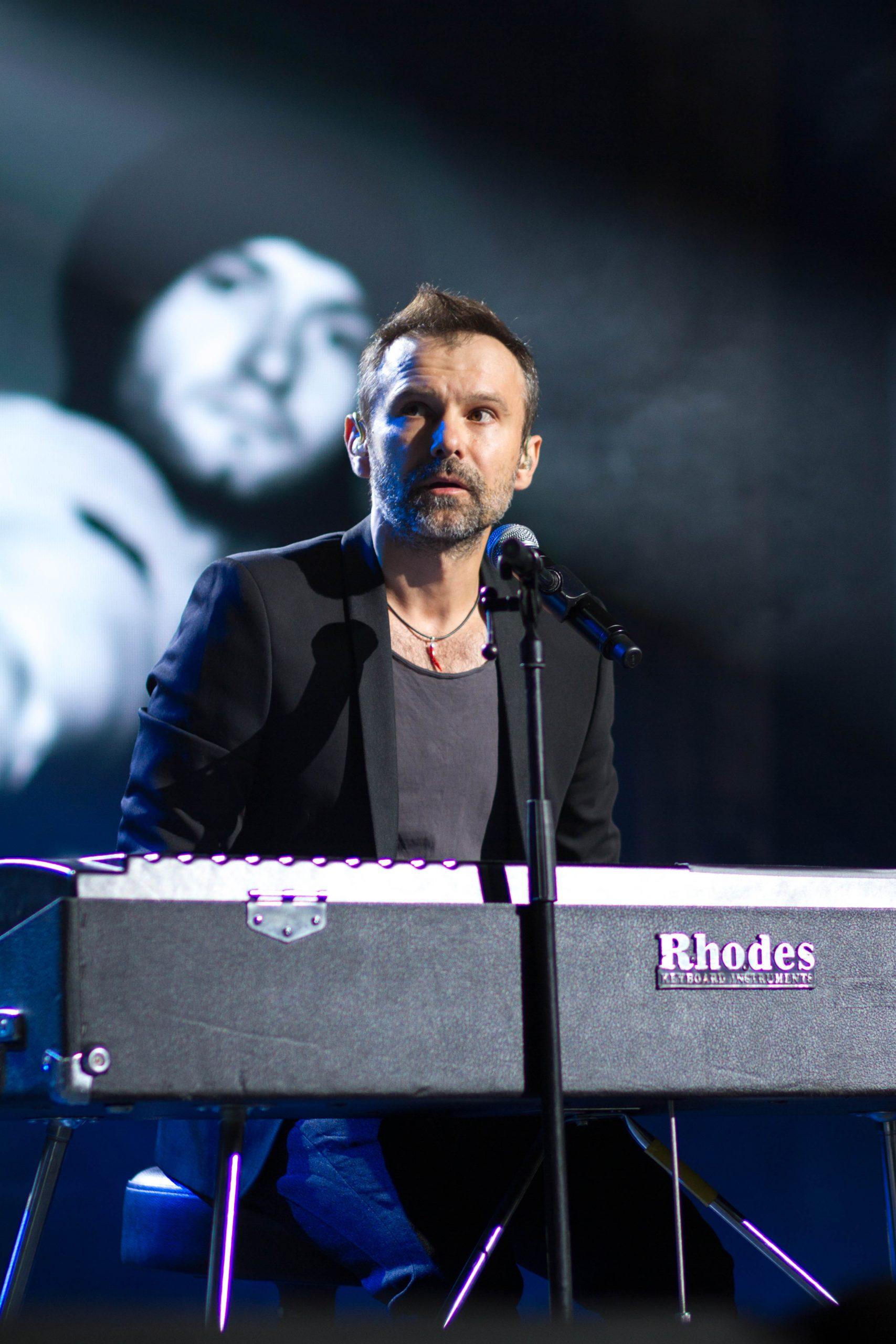 Святослав Вакарчук на концерте памяти Андрея Кузьменко (Скрябин)