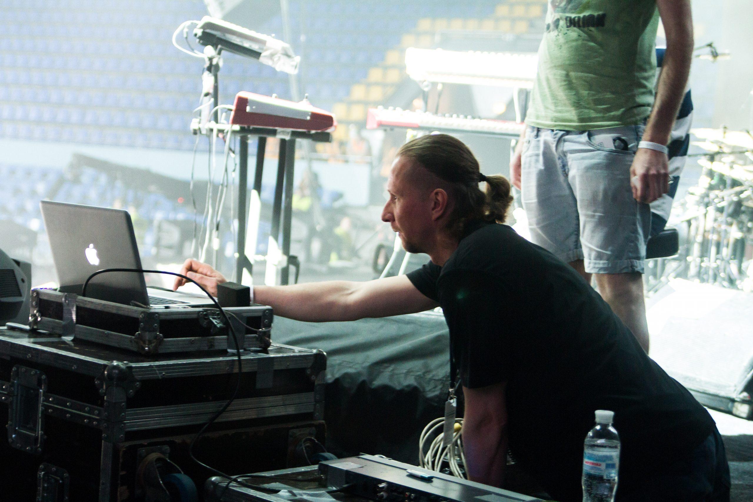 Технический персонал концерта памяти Андрею Кузьменко в Киеве