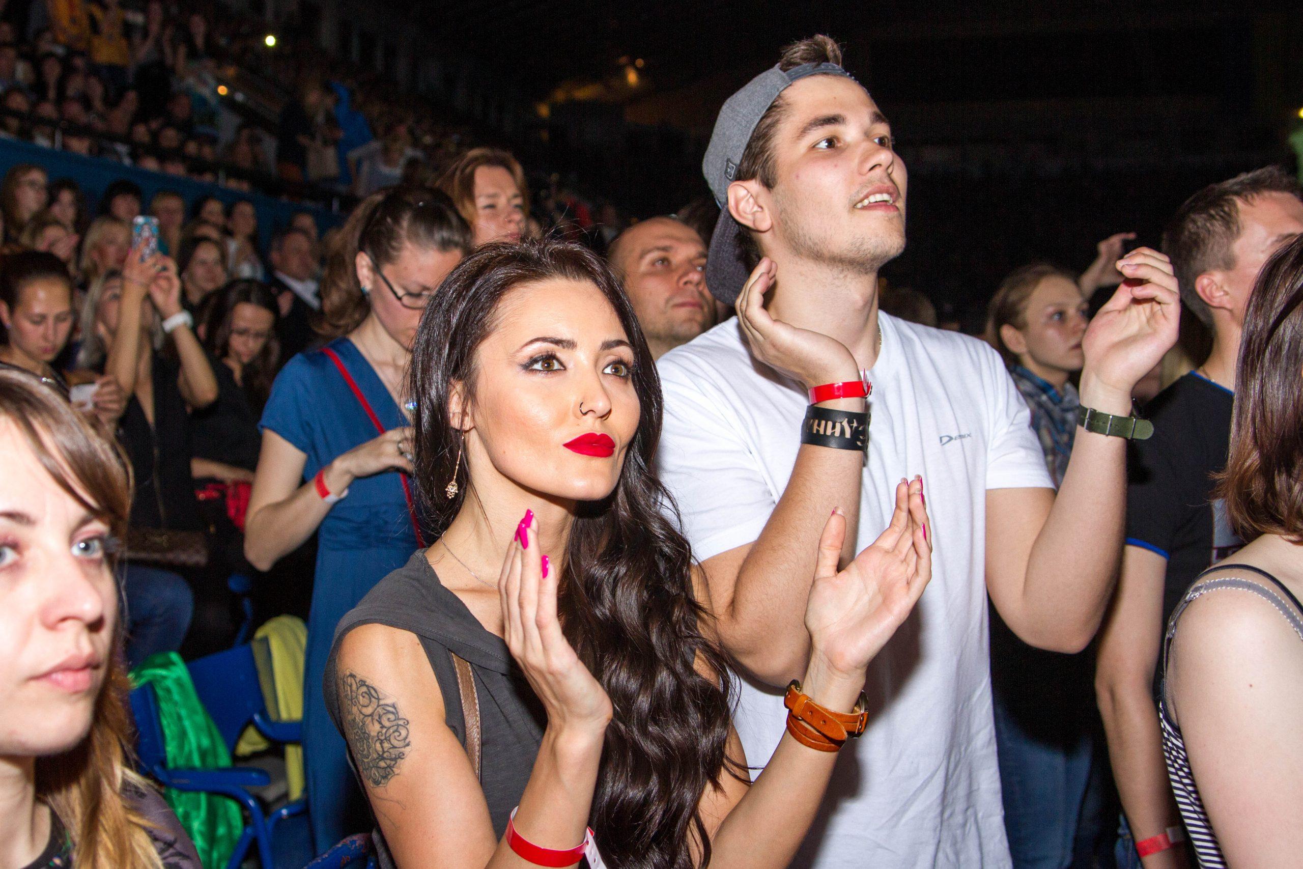 Зрители концерта памяти Андрею Кузьменко в Киеве