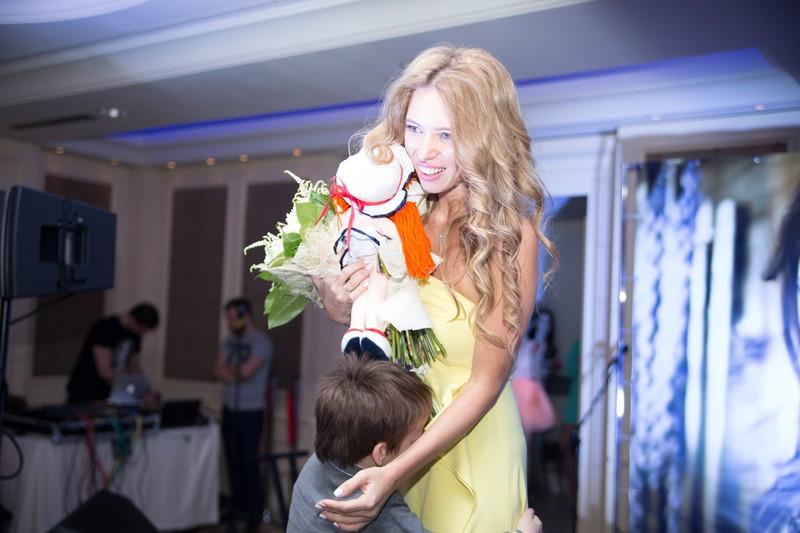 Ксения Карпенко на показе от украинского женского бренда одежды LOVE