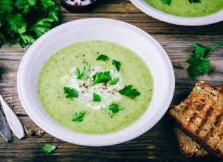 4 рецепта холодных супов для жарких дней