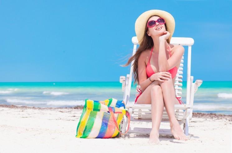 11 аксессуаров,которые добавят изюминку к вашему пляжному образу