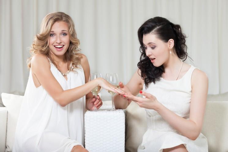 Почему наши девушки стремятся выйти замуж потому что надо?