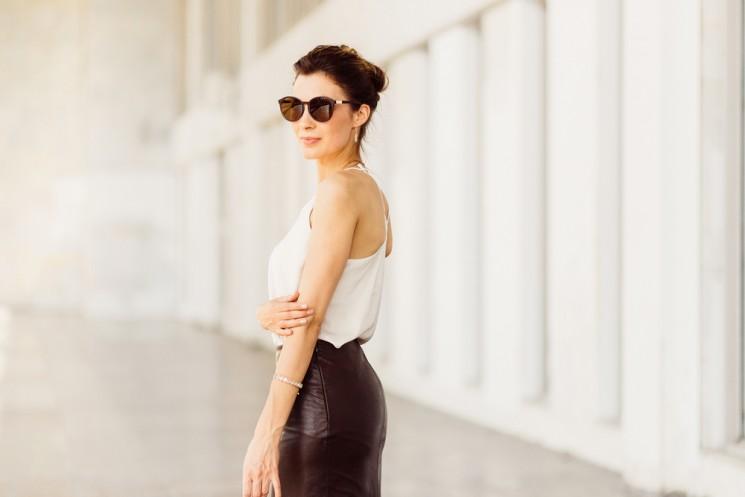 Как носить кожаные вещи летом