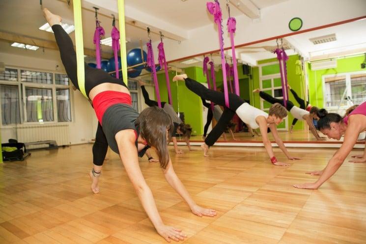 Fly Yoga: Vor- und Nachteile, Kontraindikationen
