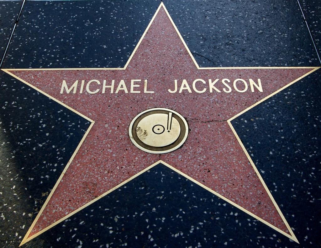 Звезда Майклу Джексону на Алее Славы в Калифорнии