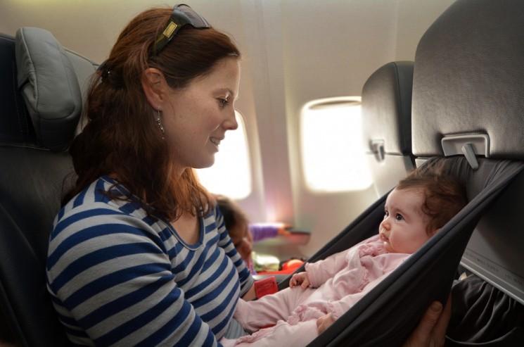12 полезных советов для авиапутешествия с малышом