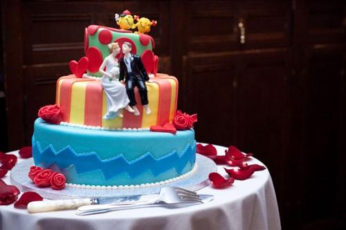 Фигурки жениха и невесты - Самые необычные свадебные торты 2