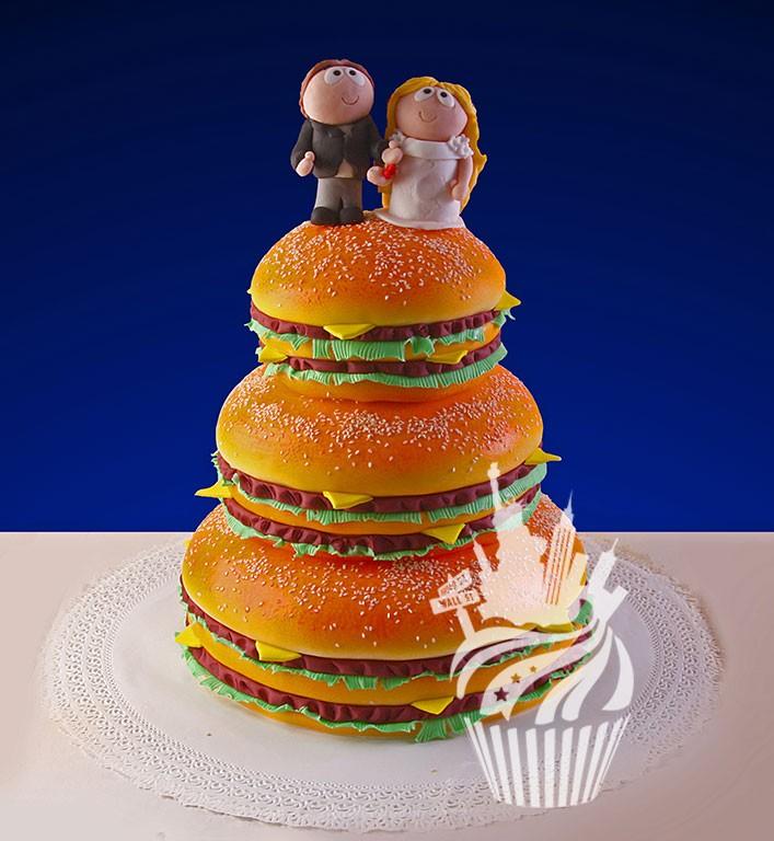 Фигурки жениха и невесты - Самые необычные свадебные торты 3