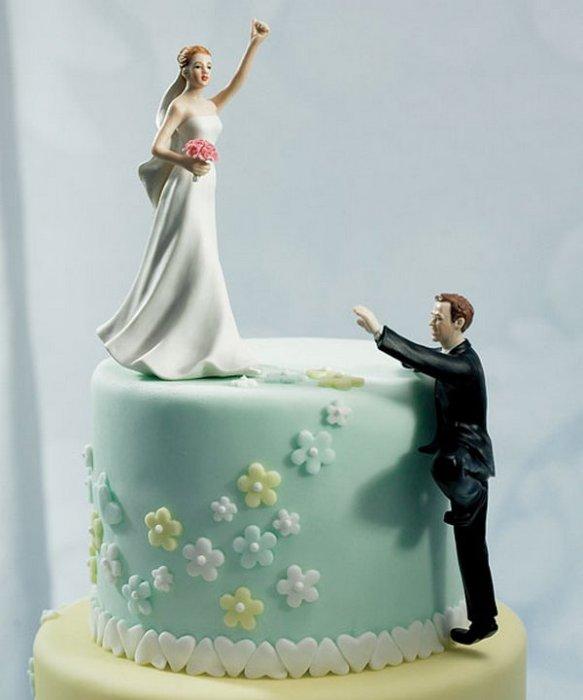 Фигурки жениха и невесты - Самые необычные свадебные торты 20