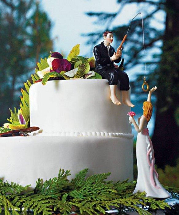 Фигурки жениха и невесты - Самые необычные свадебные торты 21