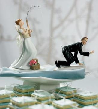 Фигурки жениха и невесты - Самые необычные свадебные торты 22