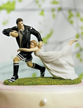 Фигурки жениха и невесты - Самые необычные свадебные торты 23