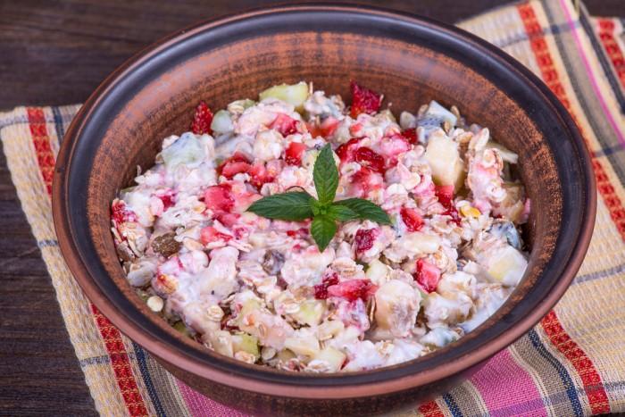 Фруктовый салат с отрубями
