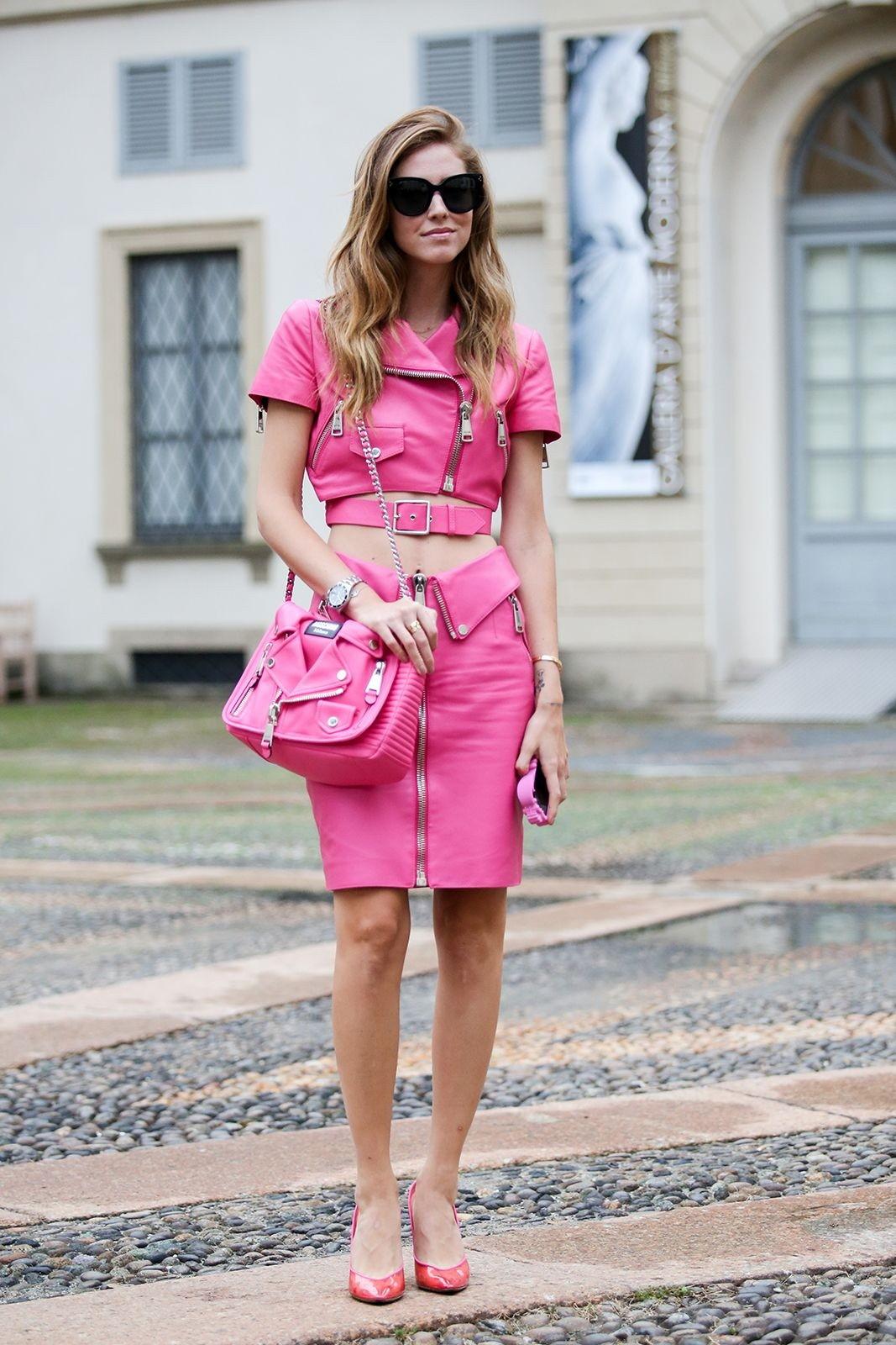Образ из розовой кожи