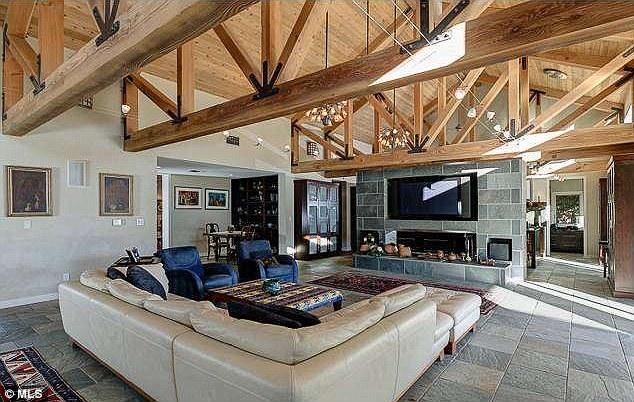 Дом Меган Фокс в Лос-Анджелесе, Калифорния, США (Толука Лейк) 2