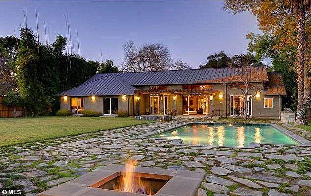 Дом Меган Фокс в Лос-Анджелесе, Калифорния, США (Толука Лейк)