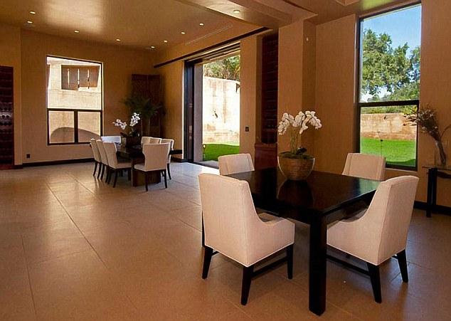 Дом Рианны в Лос-Анджелесе, Калифорния, США 2
