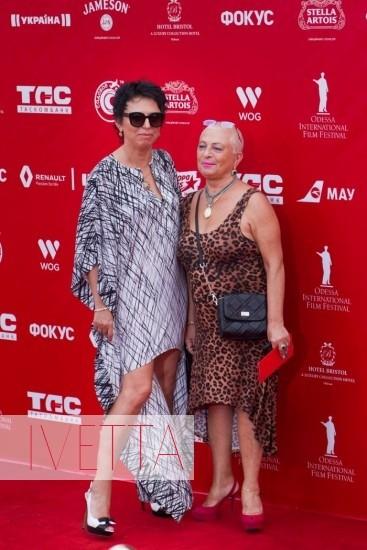 Директор одесской филармонии Галина Зицер на красной дорожке Одесского кинофестиваля 2015