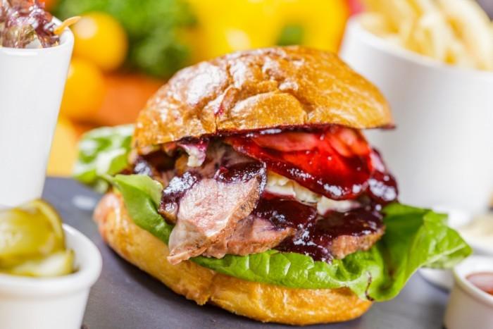 Гамбургеры с непривычным мясом