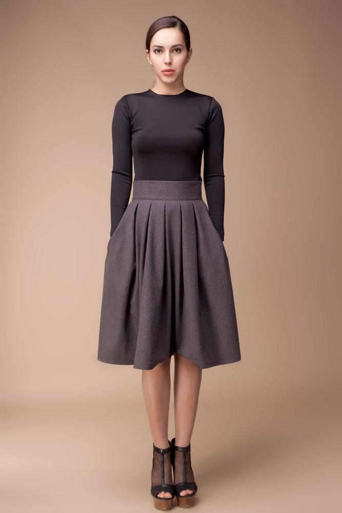 Одежда одинакового цвета зрительно вытягивает тело 3