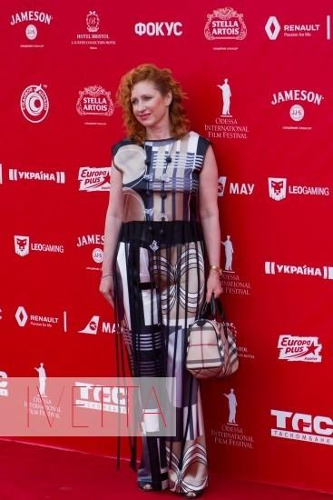 Ксения Бугримова на красной дорожке Одесского кинофестиваля 2015