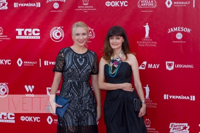 Главный редактор Elle-Украина Соня Забуга на красной дорожке Одесского кинофестиваля 2015