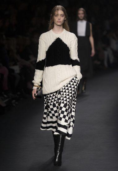 Вязаный свитер от Valentino