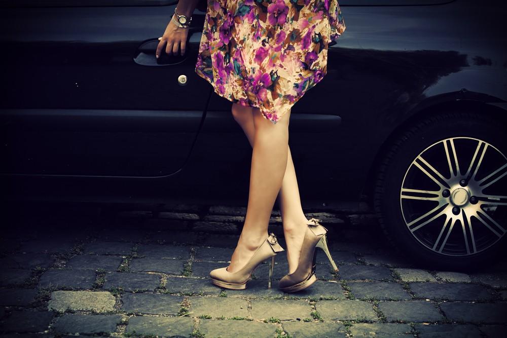 Обувь на высоком каблуке делают ножки стройнее 4