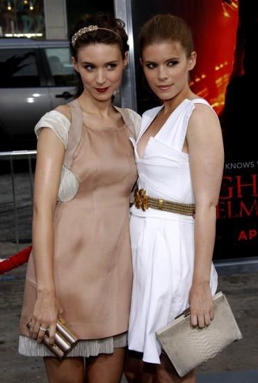 Кейт Мара и младшая сестра