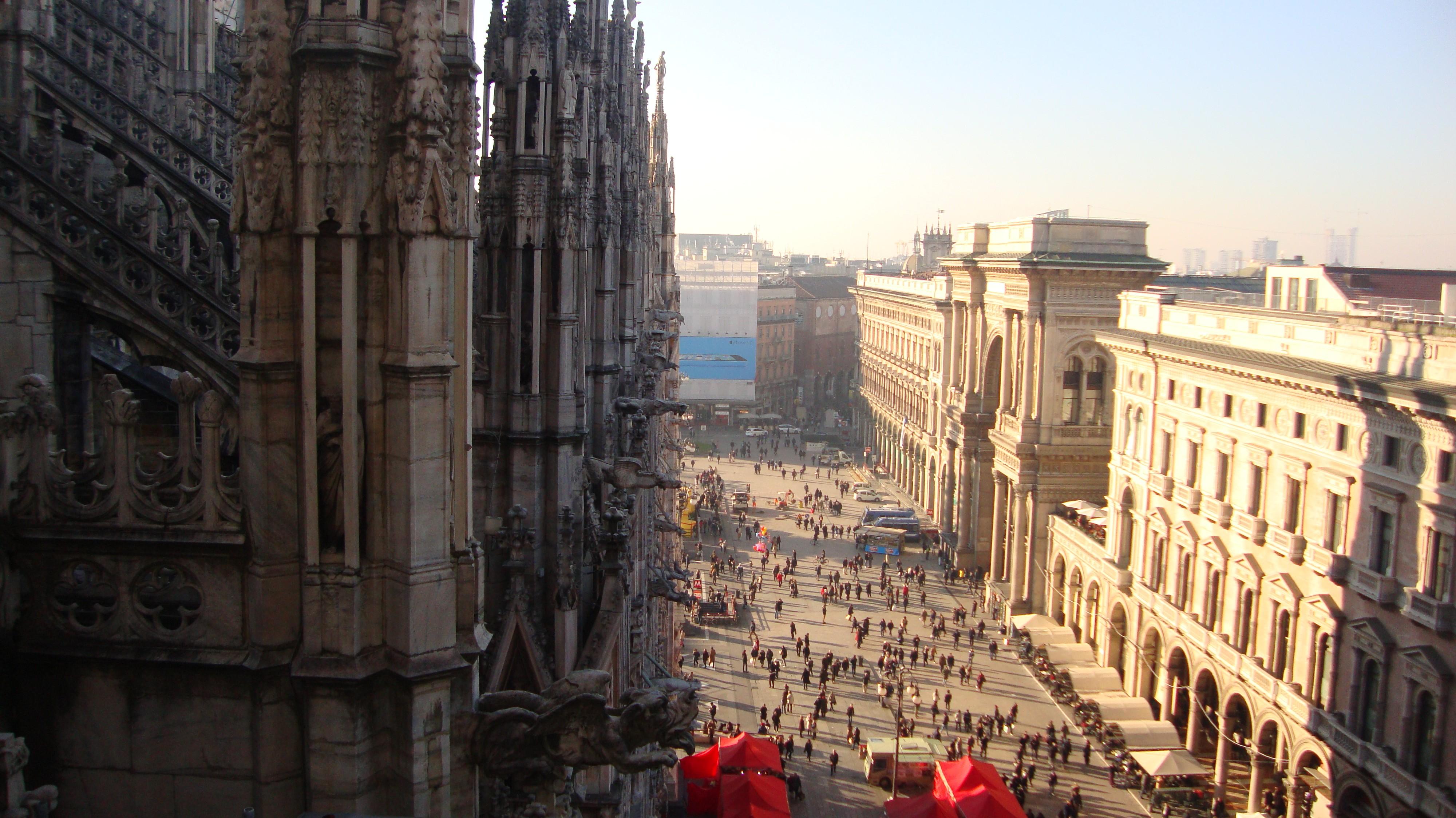 Милан: соборы, сыры, вино и распродажи