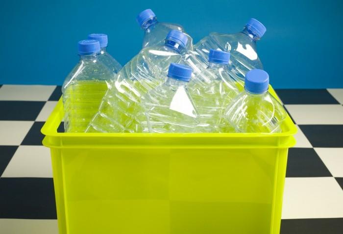 Акриловая и пластиковая посуда