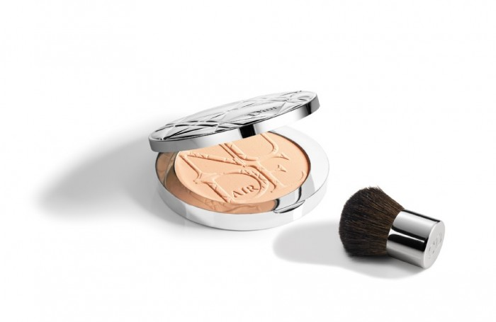 Компактная пудра Dior Healthy Glow Invisible Powder
