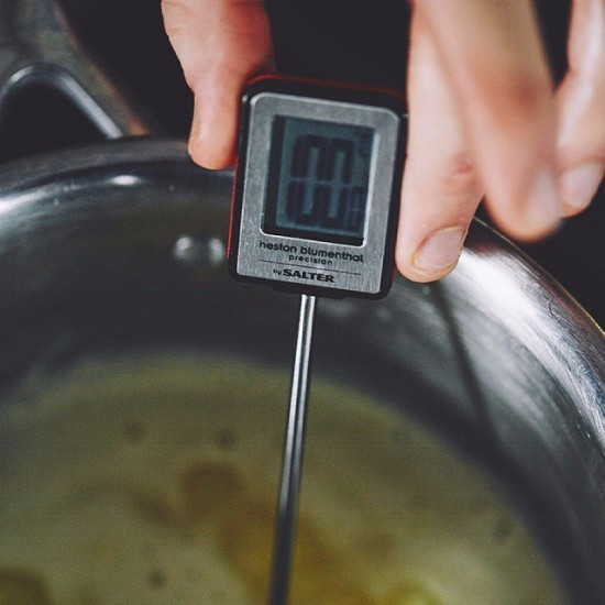 Термометр в кастрюле