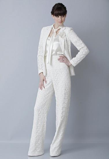 нежный костюм Theia Couture