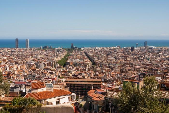 Вид с Холма Тибидабо в Барселоне