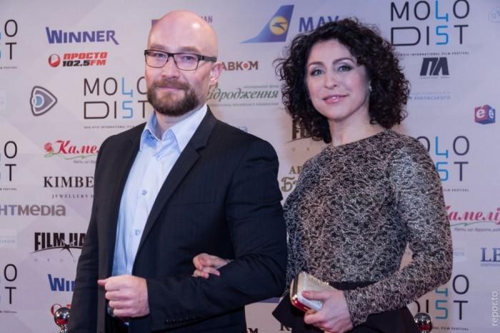 Телеведущая Надежда Матвеева пришла в компании с коллегой по цеху Павлом Костицыным