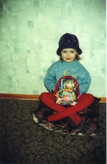 Мисс Украина Кристина Столока в детстве с куклой