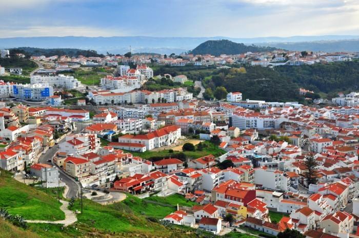 Назаре, Португалия - белые дома