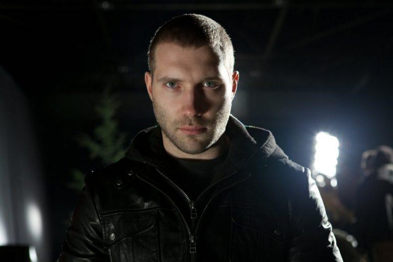 Новые лица: актер из фильма «Терминатор: Генезис» Джей Кортни