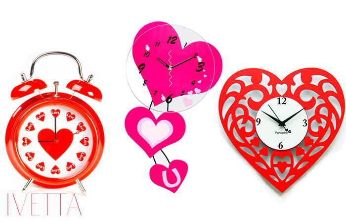 Часы с любовной символикой